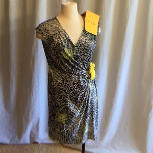Sunflower sundress in size large petite by APT.9